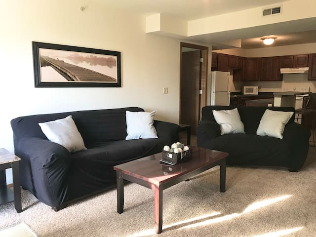Spacious 2 bed, 2 bath suite with washer and dryer