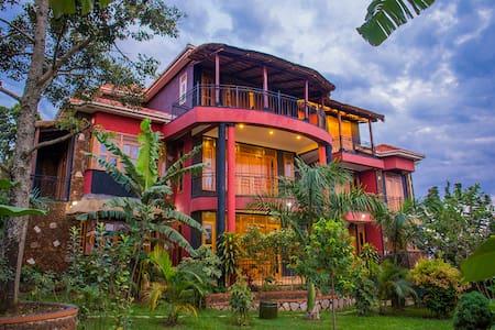 Holiday Home, Lubowa, Kampala