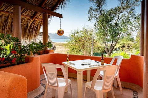 Casitas Bajo Las Estrellas-3, pool & beach access