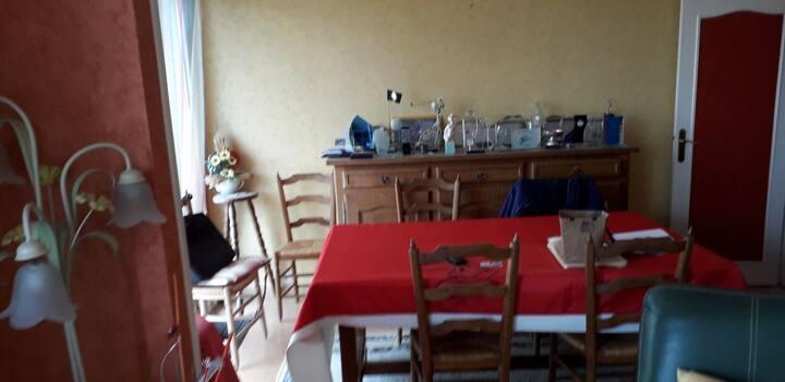 Grand appartement de 90 m2, agréable et ensoleillé