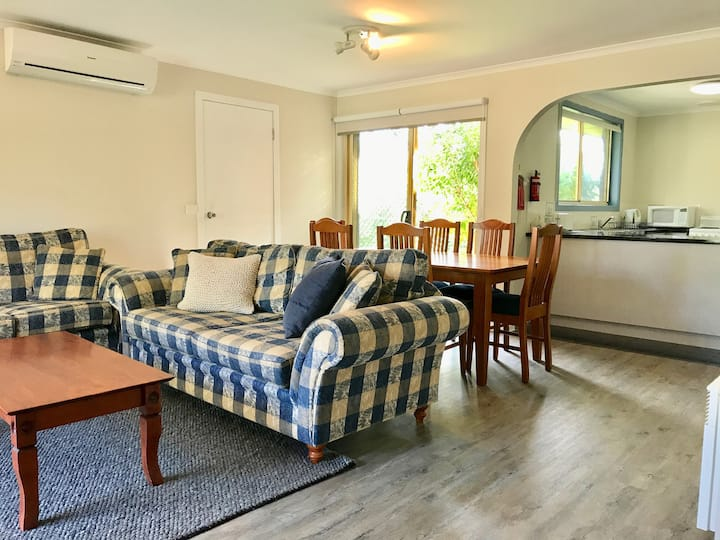 250m to the beach! Comfortable and Convenient