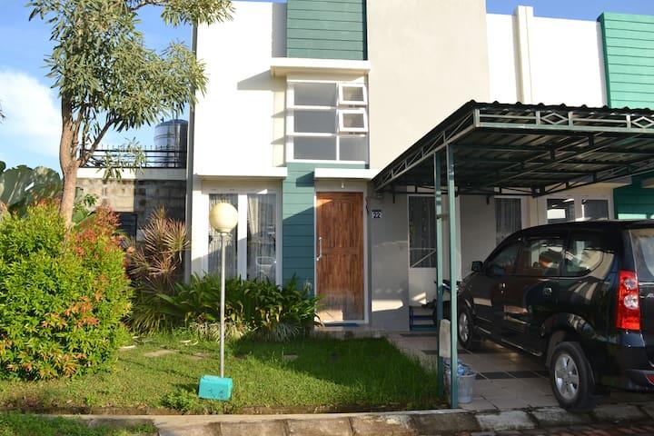 T4 tinggal yg nyaman lkp fasilitas - Makassar