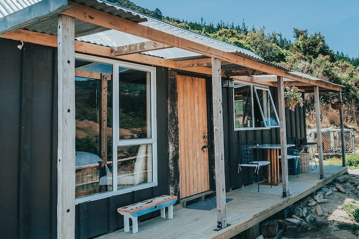 Manuka Manor Rustic Cabin Retreat