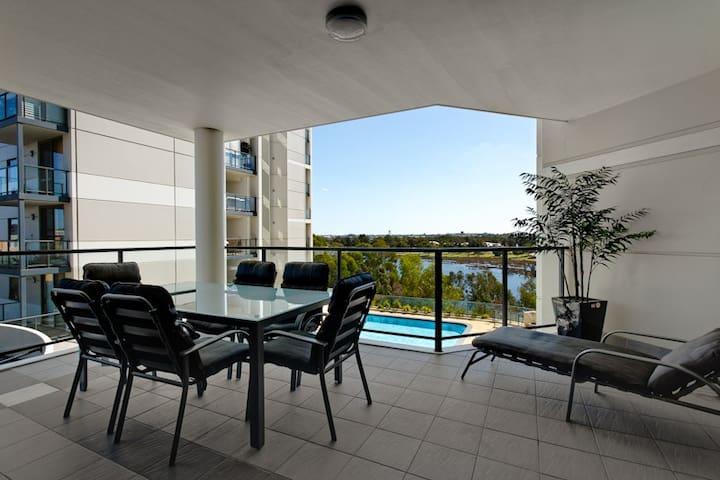 Swan River Luxury apartment - Rivervale - Apartment