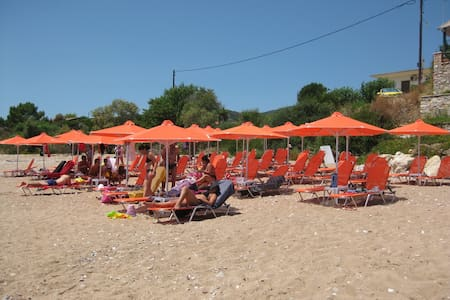10meters from the beach & Aircon - Messinia - Bungalow
