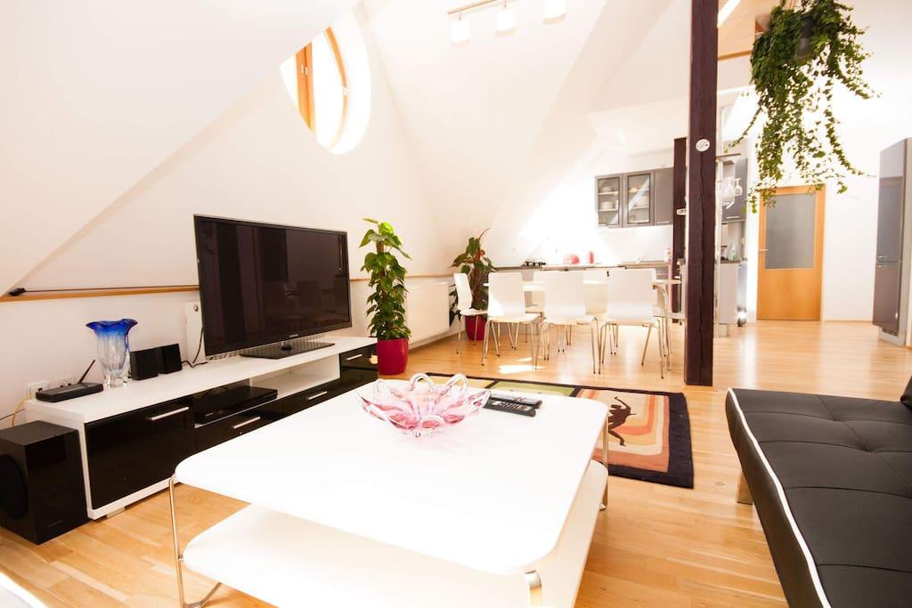 Living room - sat TV, home cinema, blu-ray, free wifi
