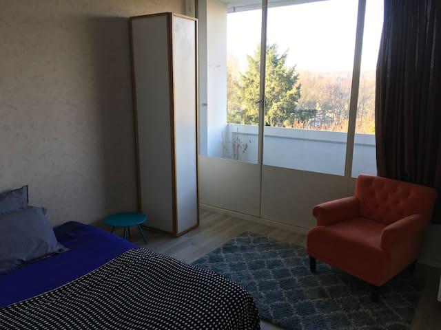 Chambre double avec balcon privé - Limoges