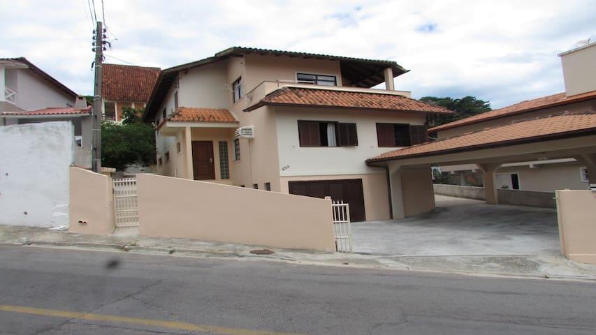 Casa na Praia da Lagoinha em Florianópolis/SC