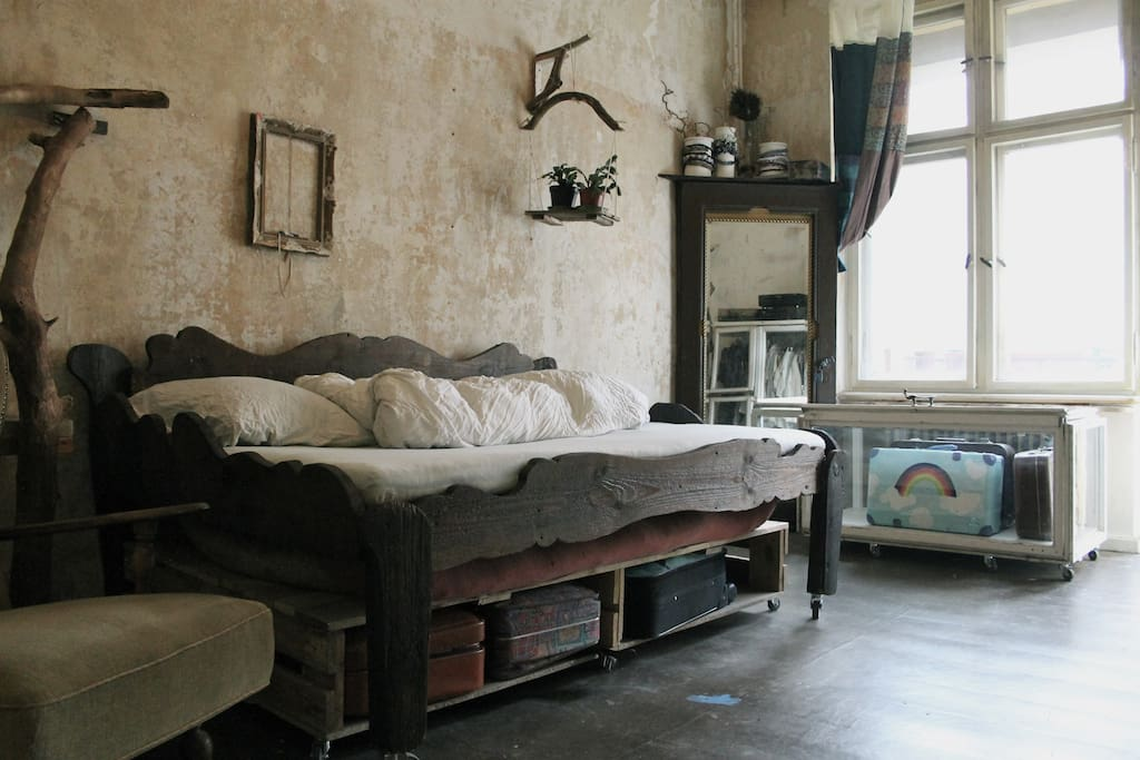 CloudWalkings, double bed handmade out of ancient wasted floorboards