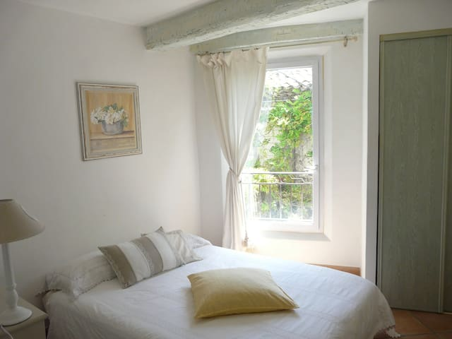 Village house - 2 Charming bedrooms - Villeneuve-Loubet - Casa