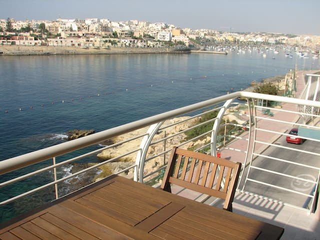 Sea Front Apartment in Marsaskala - Marsaskala - Flat