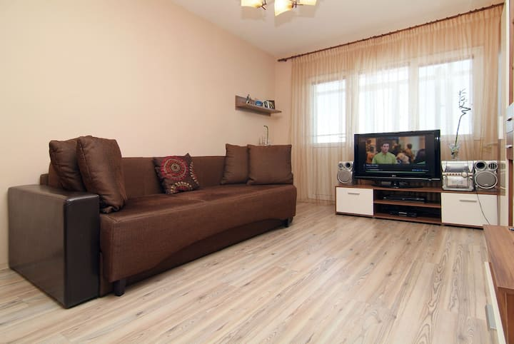Gorgeous 2 bedroom apartment  WIFI