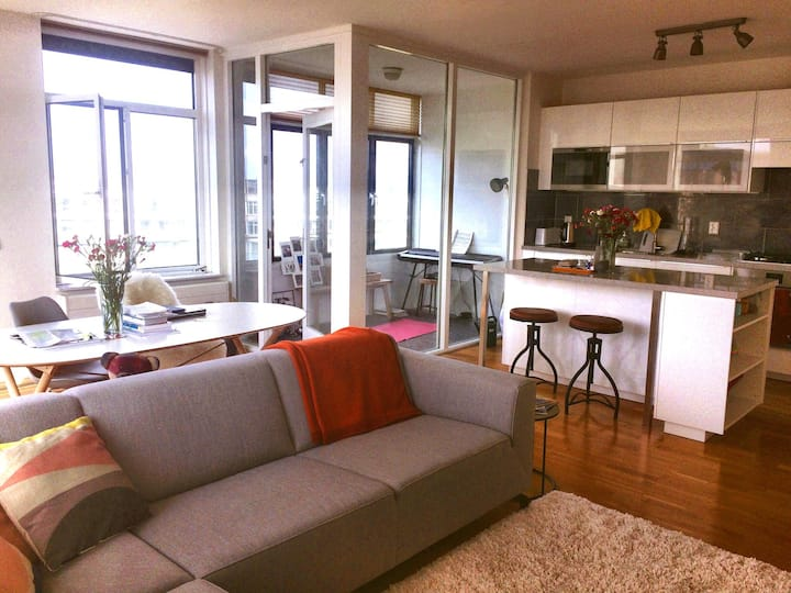 Bright & modern flat with view over Peace Palace