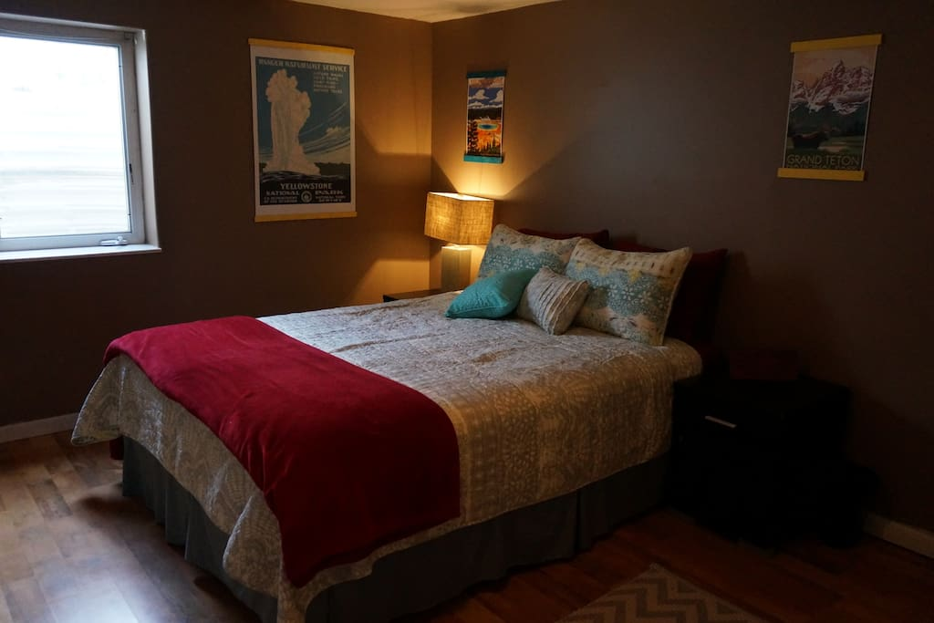 Queen bedroom with comfy pillowtop mattress.