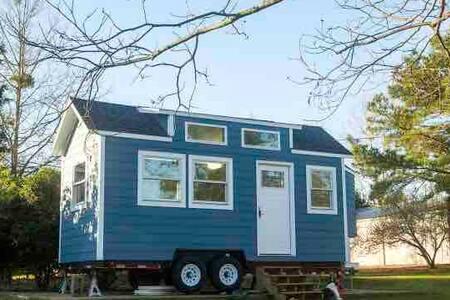 Picklefork Farm Tiny House