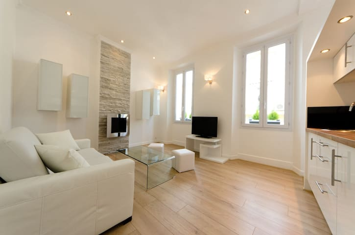 Design Flat 2min of the Beach !!! - Cannes - Apartemen