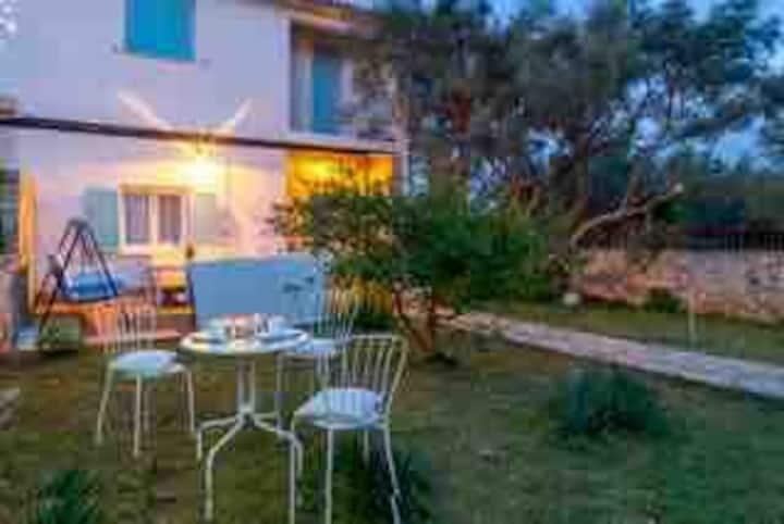 My Sunshine Star, villa