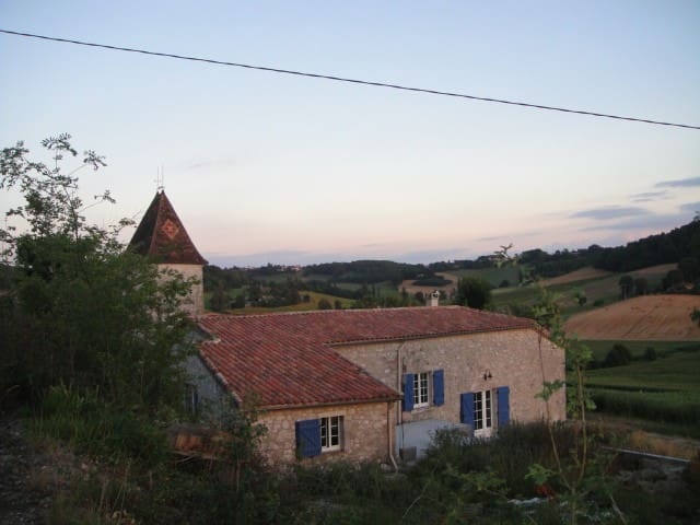 Old Farmhouse in Frespech - France - Frespech