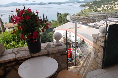 Two bedrooms apartment with sea view on 1st floor - Mparmpati