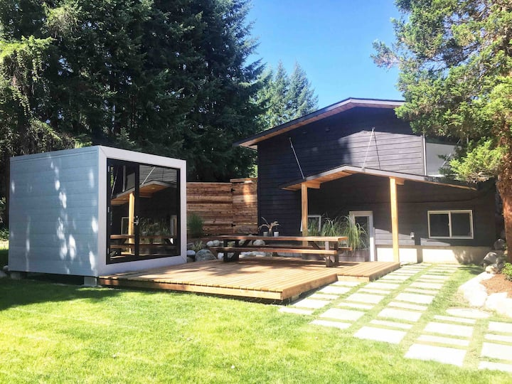 AuxBox on Park Cozy suite & modern detached bunkie