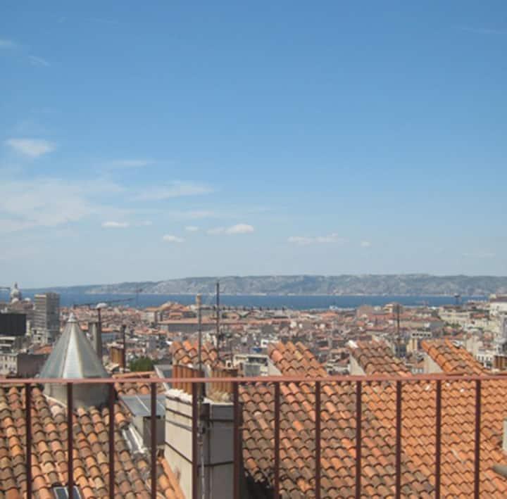 Loft apt, sea view, large terrace