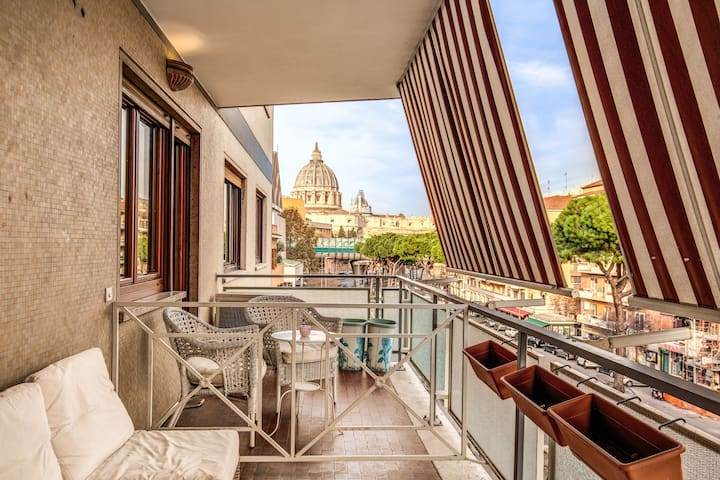 AMAZING BALCONY ROOM INN VIEW VATICANO