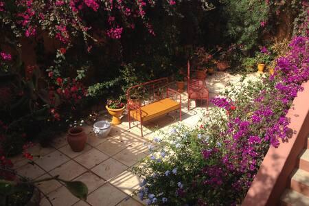 Gorée:Suite dans Villa av Jardin - Dakar - Bed & Breakfast