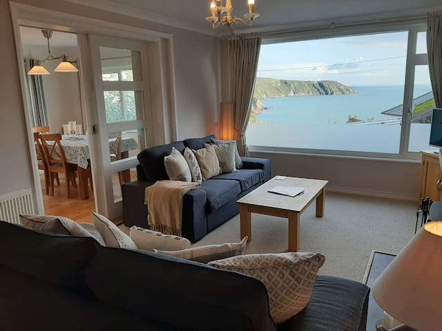 Maen Lay - holiday home from home with sea views
