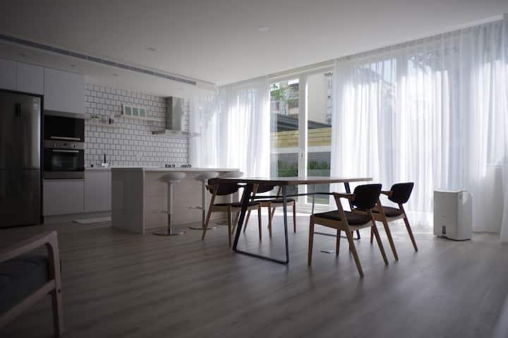 Mini Studio - 與光沒有距離的住所 / 日光の住居が満ちます / 일광의 주거가 찹니다