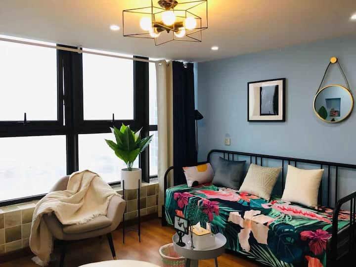 城宿·【蓝色海洋】宝龙广场loft复式公寓/100寸高清大投影 家庭影院房/近东关街