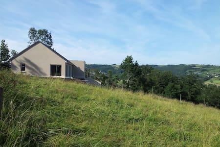 Maison neuve avec vue panoramique - Rumah