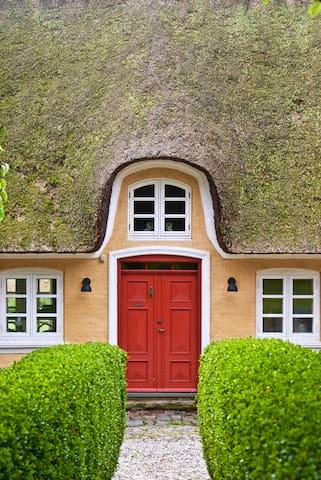 Bakkehuset B&B ÆRØ Have-Suite