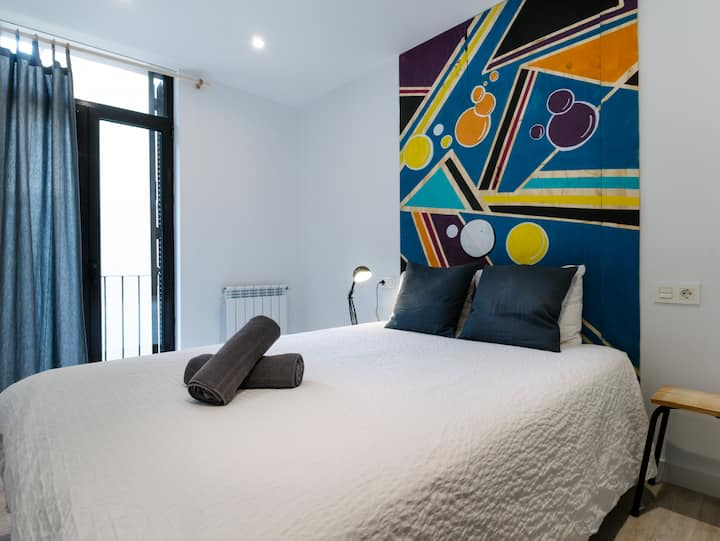 Double Room with Balcony, view and private Bathroom