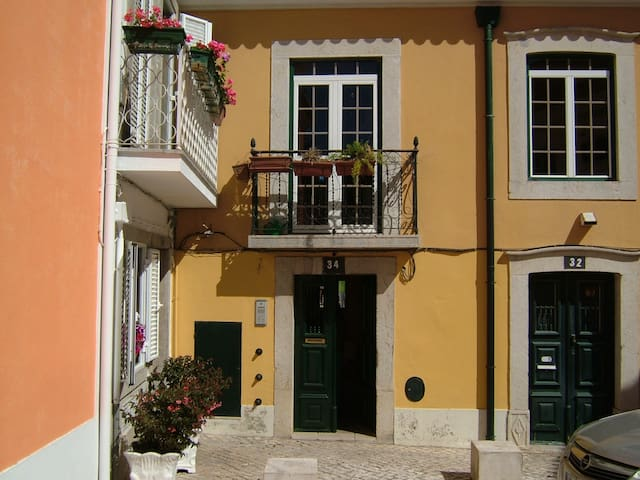 APARTMENT IN THE CENTRE OF CASCAIS - Cascais - Lejlighed