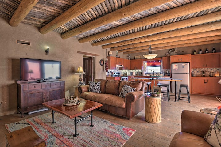 Adobe Home in Taos Area w/ Mtn View & Courtyard!
