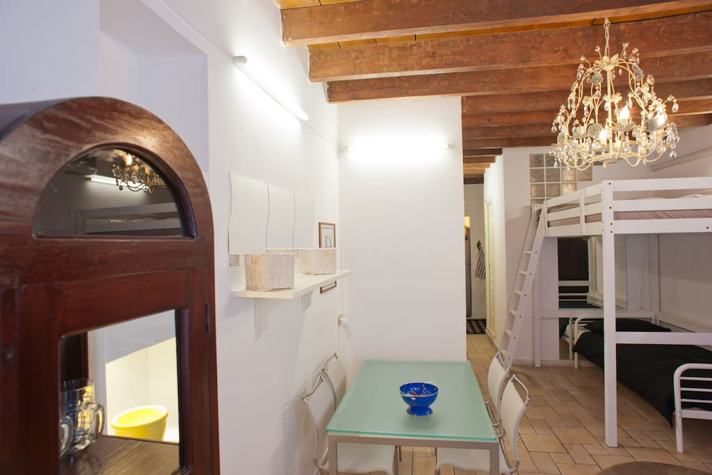 House for people thet want have a nice holiday in centre of Cagliari.
