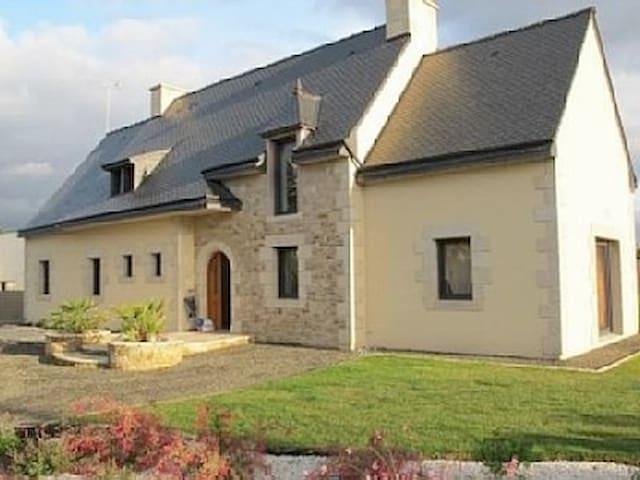 Grande maison lumineuse proche mer - Châtelaudren - Casa