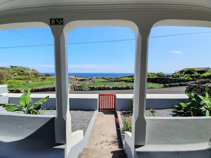 Casinha de Nesquim - Pico, Azores
