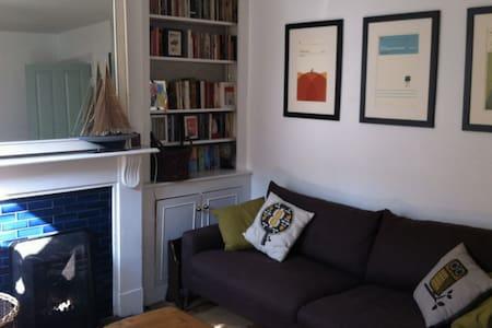 Period house near beach and london - Faversham - Casa