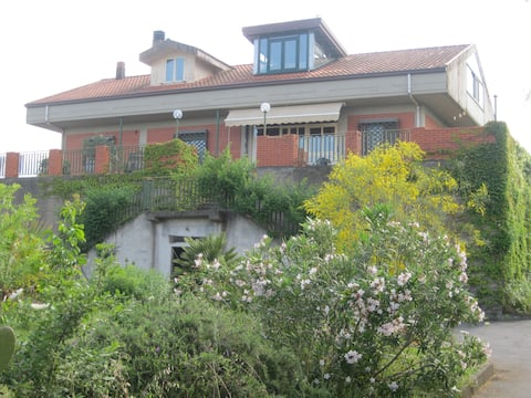 Family Apartment, Mount Etna