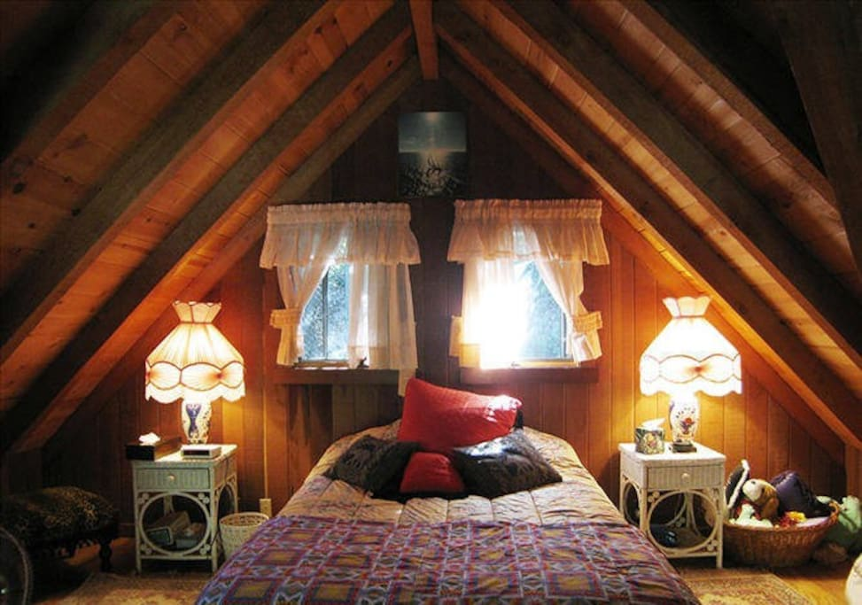 The upstairs loft bedroom with king size bed