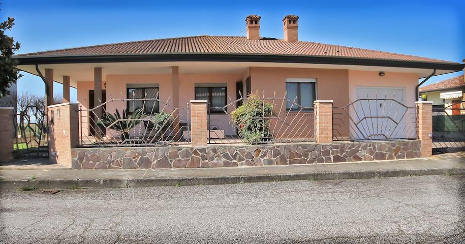 La Casa nel Delta/ STANZA PRIVATA GIALLA - Goro - Casa de camp