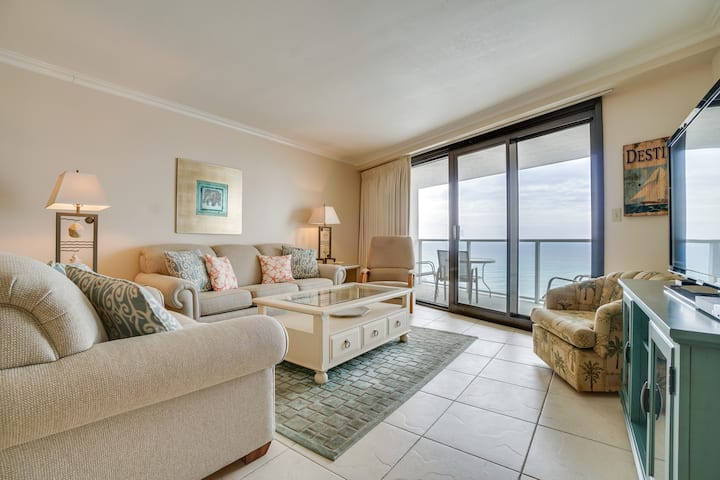 Cozy, upgraded clean beachfront condo at affordable rates ~ 'A Mermaids Tale'