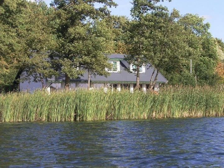 Haus am See/ Unterhaltung i.d.Stadt