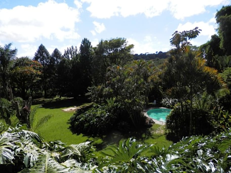View from the suites' deck - garden and pool - vista do deck das suítes - jardim e piscina
