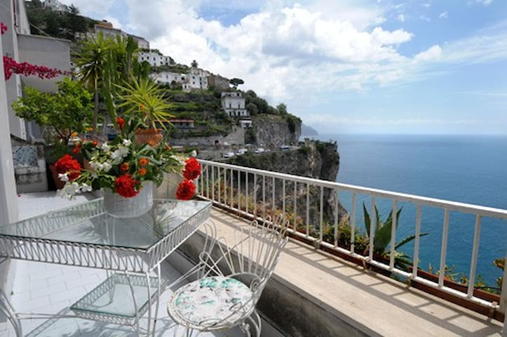 TERRACE OVER THE AMALFI SEA - RESIDENCE AIRONE - Amalfi - Appartement
