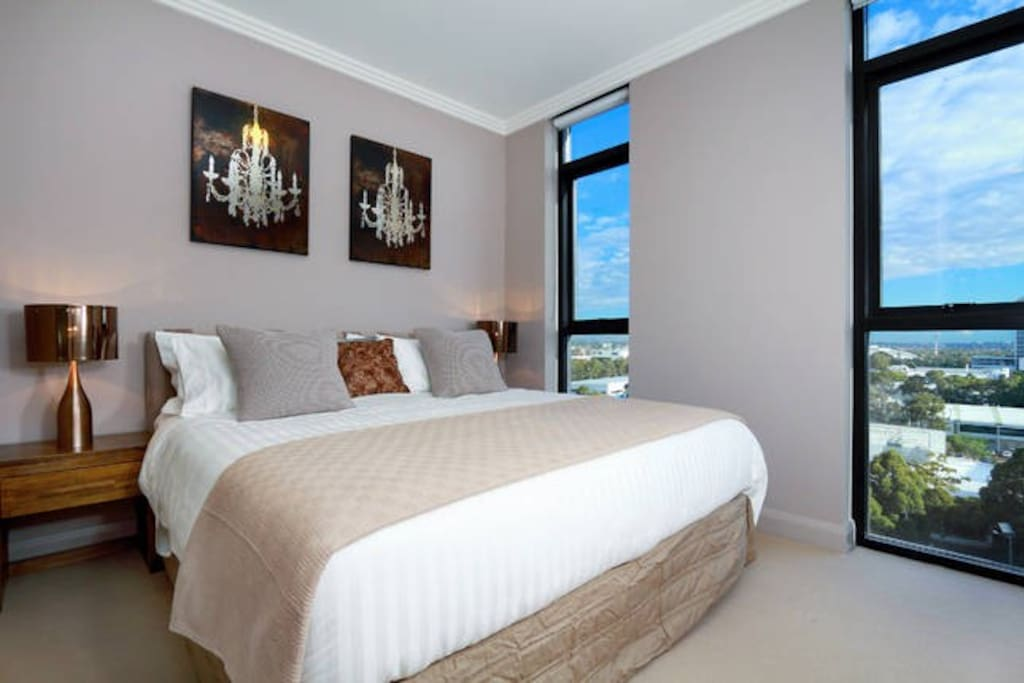 3 Bedrooms On Level 19 Australia Towers Cityview Apartments For Rent In Sydney Olympic Park