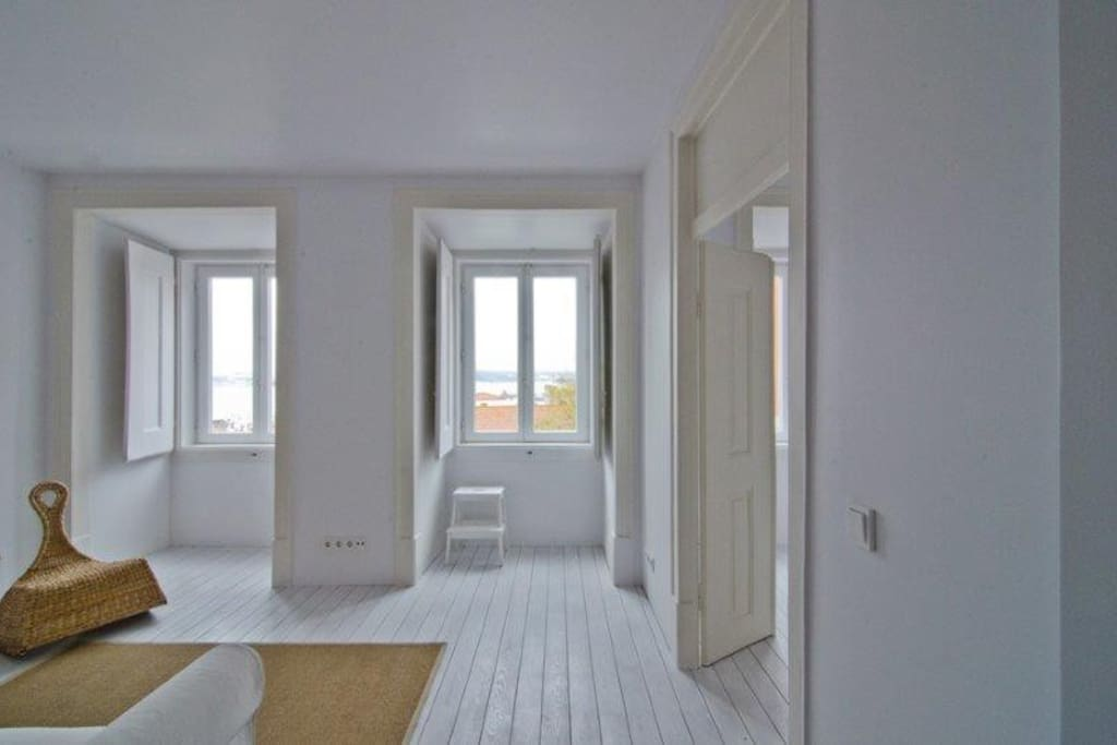 White Living Room, View and passage to the White Bed Room