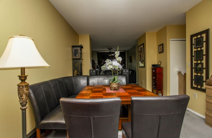 Luxury Condo. Great for the Traveling Professional - Newark - Byt