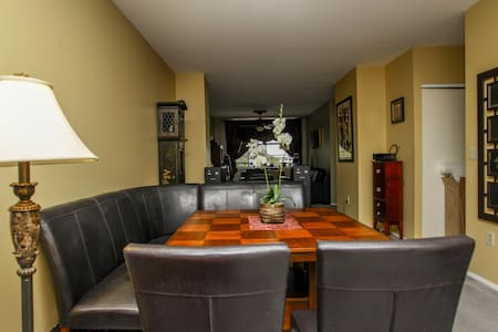 Luxury Condo. Great for the Traveling Professional - Newark - Departamento